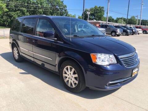 2015 Chrysler Town and Country for sale at Tigerland Motors in Sedalia MO