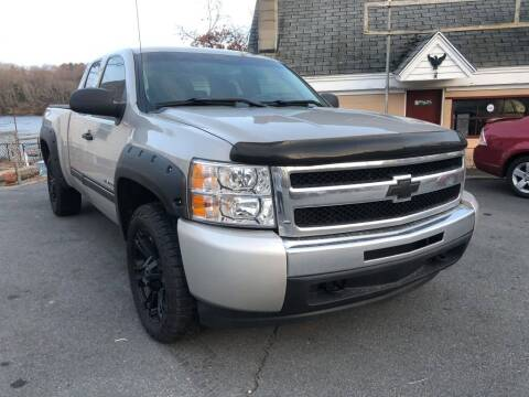 2009 Chevrolet Silverado 1500 for sale at Dracut's Car Connection in Methuen MA