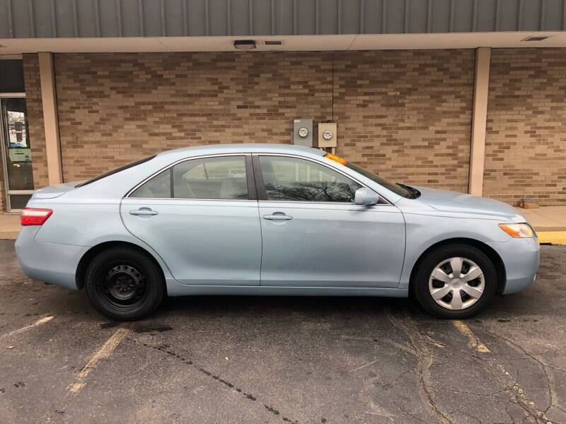 2009 Toyota Camry for sale at Arandas Auto Sales in Milwaukee WI