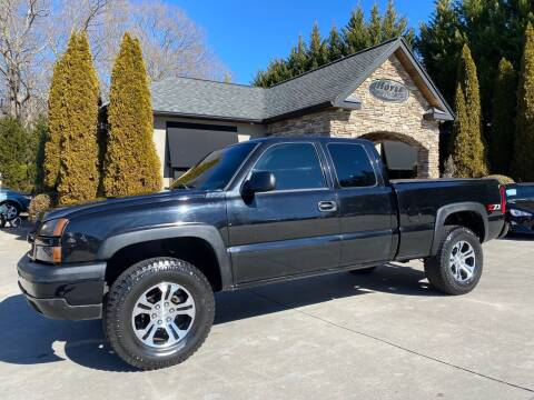 2004 Chevrolet Silverado 1500 for sale at Hoyle Auto Sales in Taylorsville NC