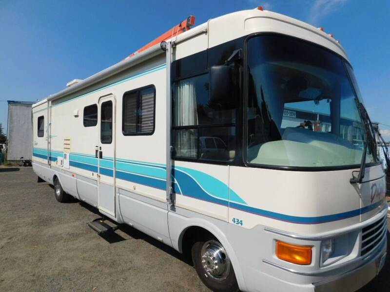 1995 NATIONAL DOLPHIN 434 for sale at Gold Country RV in Auburn CA