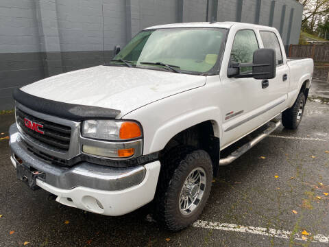 2006 GMC Sierra 2500HD for sale at APX Auto Brokers in Lynnwood WA