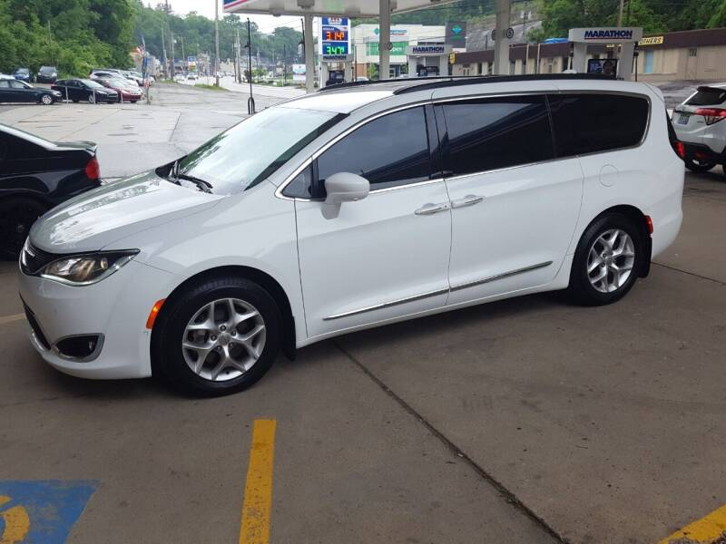 2019 Chrysler Pacifica for sale at FAYAD AUTOMOTIVE GROUP in Pittsburgh PA