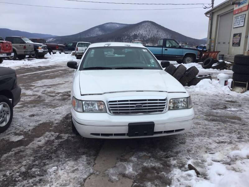 2005 Ford Crown Victoria for sale at Troys Auto Sales in Dornsife PA