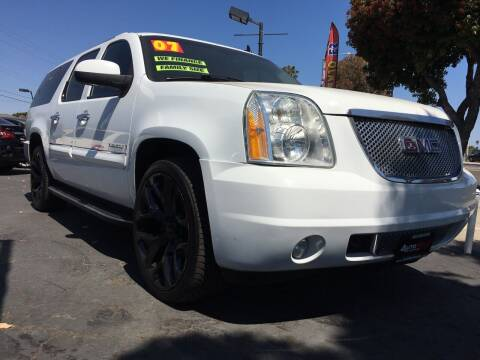 2007 GMC Yukon XL for sale at Auto Max of Ventura in Ventura CA
