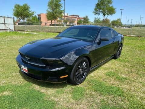 2012 Ford Mustang for sale at LA PULGA DE AUTOS in Dallas TX