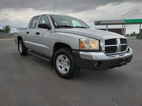 2005 Dodge Dakota for sale at FRESH TREAD AUTO LLC in Springville UT