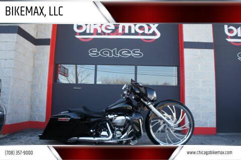 2017 Harley-Davidson Street Glide for sale at BIKEMAX, LLC in Palos Hills IL