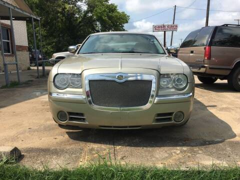 2006 Chrysler 300 for sale at OLVERA AUTO SALES in Terrell TX