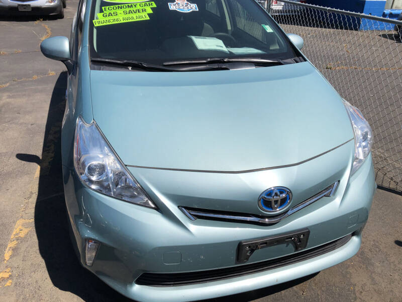 2014 Toyota Prius v for sale at ET AUTO II INC in Molalla OR
