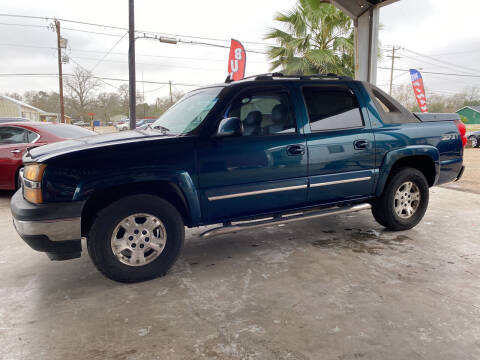 2006 Chevrolet Avalanche for sale at M & M Motors in Angleton TX