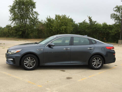 2020 Kia Optima for sale at LANDMARK OF TAYLORVILLE in Taylorville IL