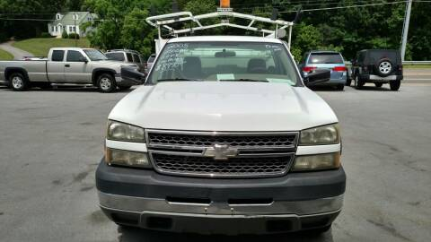 2005 Chevrolet Silverado 2500HD for sale at DISCOUNT AUTO SALES in Johnson City TN