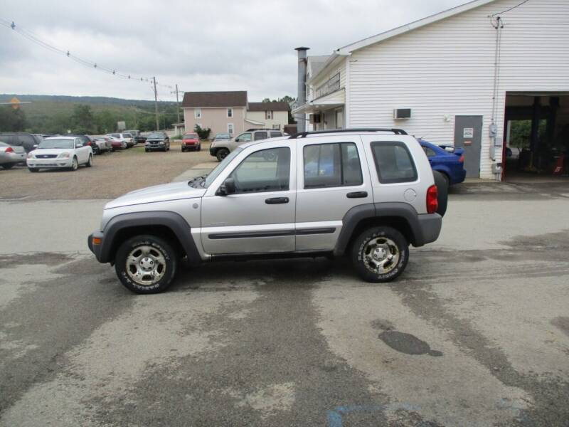 2004 Jeep Liberty for sale at ROUTE 119 AUTO SALES & SVC in Homer City PA