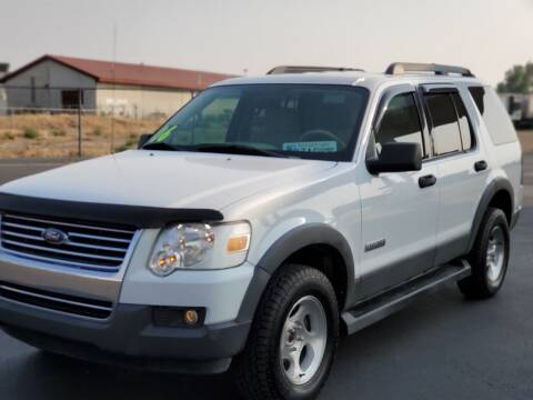 2006 Ford Explorer for sale at FRESH TREAD AUTO LLC in Springville UT