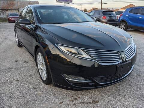 2013 Lincoln MKZ for sale at PREMIER MOTORS OF PEARLAND in Pearland TX