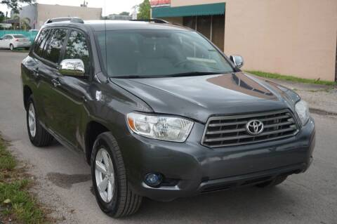 2010 Toyota Highlander for sale at SUPER DEAL MOTORS 441 in Hollywood FL