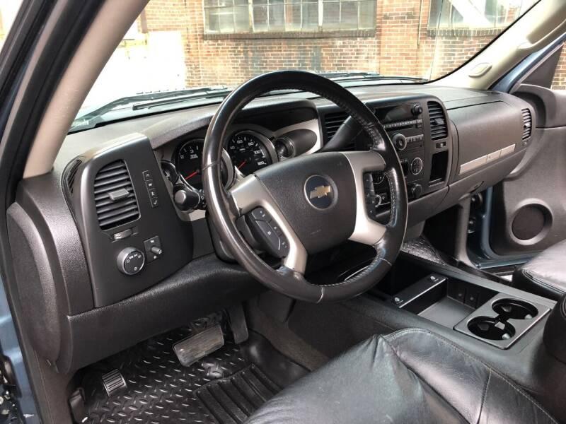 2007 Chevrolet Silverado 1500 LTZ 4dr Extended Cab 4WD 8 ft. LB - Saint Charles MO