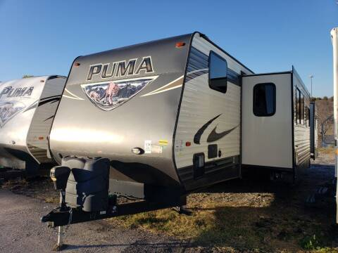 2017 Forest River Puma 32FBIS  for sale at Ultimate RV in White Settlement TX