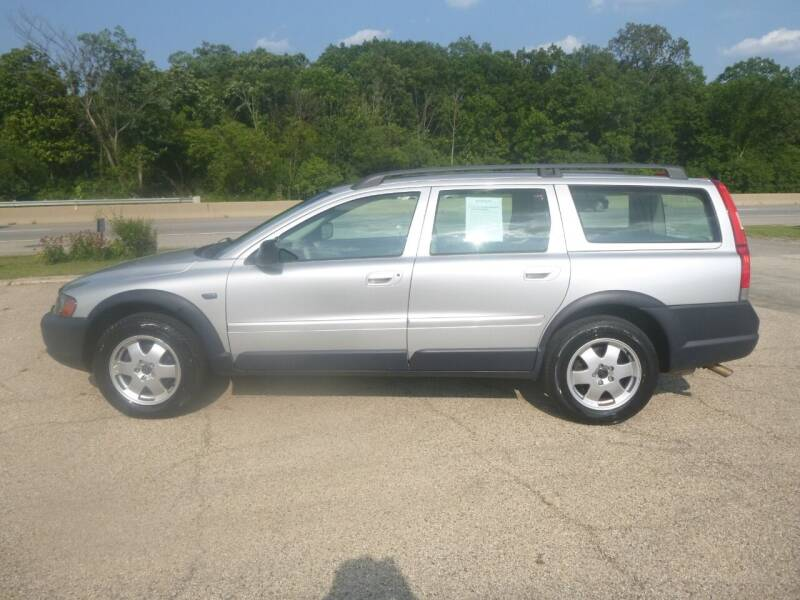 2004 Volvo XC70 for sale at NEW RIDE INC in Evanston IL