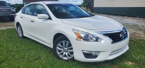 2013 Nissan Altima for sale at Sinclair Auto Inc. in Pendleton IN