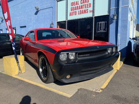 2010 Dodge Challenger for sale at Ideal Cars in Hamilton OH