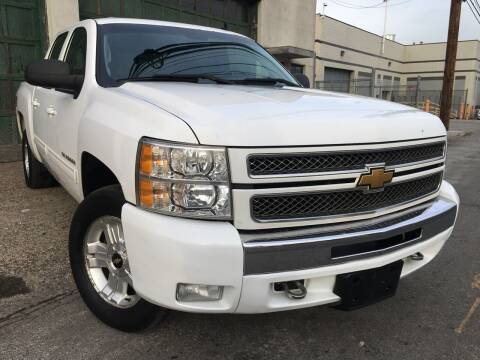 2013 Chevrolet Silverado 1500 for sale at Illinois Auto Sales in Paterson NJ