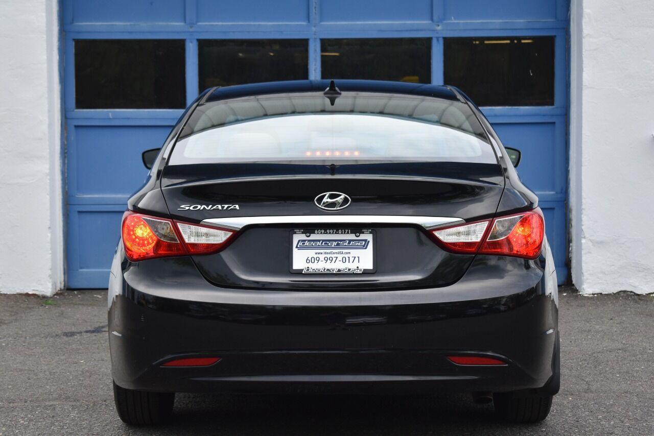 2012 Hyundai Sonata GLS 4dr Sedan 6A full