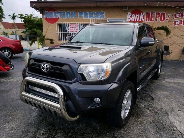 2013 Toyota Tacoma for sale at VALDO AUTO SALES in Hialeah FL