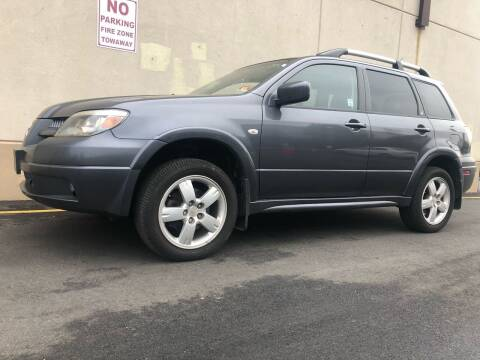 2006 Mitsubishi Outlander for sale at International Auto Sales in Hasbrouck Heights NJ