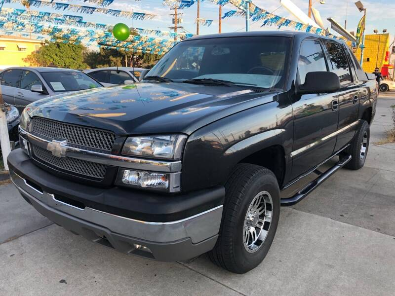 2004 Chevrolet Avalanche for sale at Plaza Auto Sales in Los Angeles CA