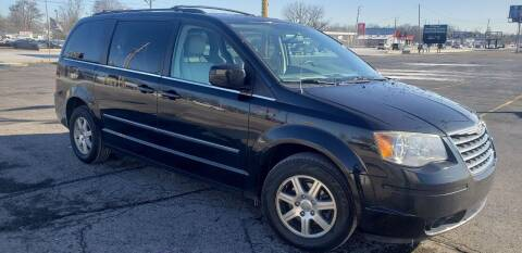 2009 Chrysler Town and Country for sale at speedy auto sales in Indianapolis IN