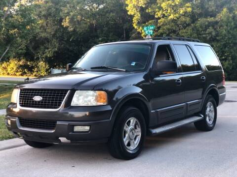 2005 Ford Expedition for sale at L G AUTO SALES in Boynton Beach FL