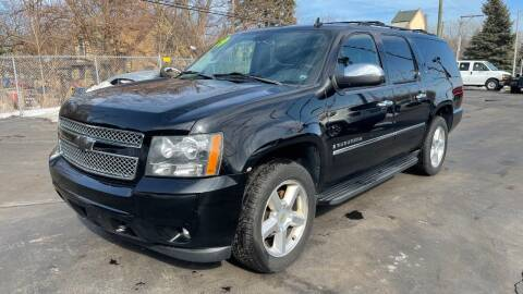 2009 Chevrolet Suburban for sale at ROUTE 6 AUTOMAX in Markham IL