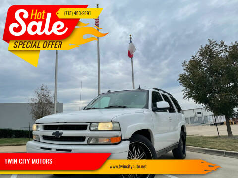 2004 Chevrolet Tahoe for sale at TWIN CITY MOTORS in Houston TX