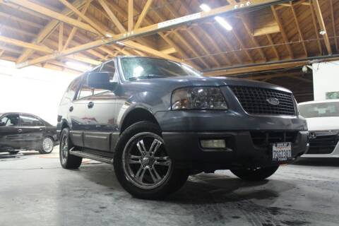 2006 Ford Expedition for sale at United Automotive Network in Los Angeles CA