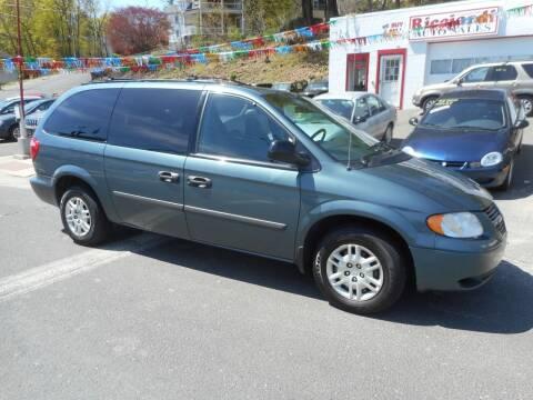 2005 Dodge Grand Caravan for sale at Ricciardi Auto Sales in Waterbury CT