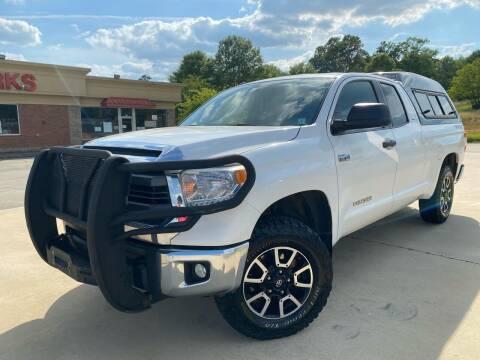 2015 Toyota Tundra for sale at Gwinnett Luxury Motors in Buford GA