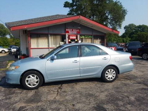 2005 Toyota Camry for sale at Best Deal Motors in Saint Charles MO