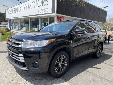 2017 Toyota Highlander for sale at Certified Luxury Motors in Great Neck NY