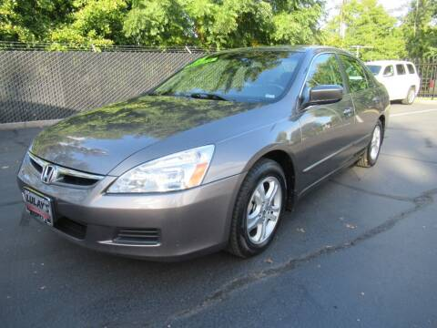 2006 Honda Accord for sale at LULAY'S CAR CONNECTION in Salem OR