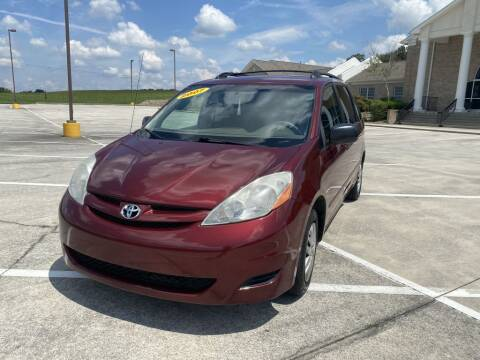 2007 Toyota Sienna for sale at 411 Trucks & Auto Sales Inc. in Maryville TN