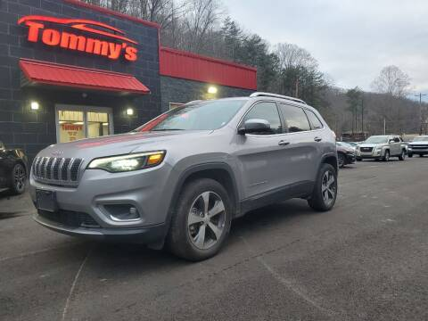 2020 Jeep Cherokee for sale at Tommy's Auto Sales in Inez KY