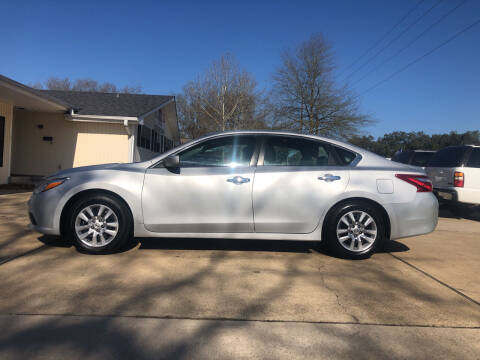 2016 Nissan Altima for sale at H3 Auto Group in Huntsville TX