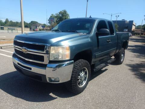 2007 Chevrolet Silverado 2500HD for sale at Autos by Tom in Largo FL