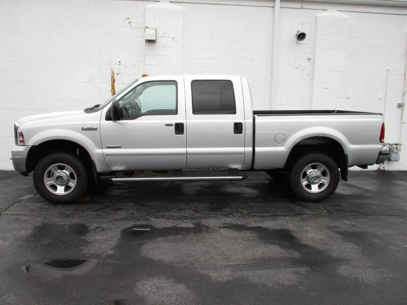 2006 Ford F-350 Super Duty for sale at Dunne Deals in Crystal Lake IL