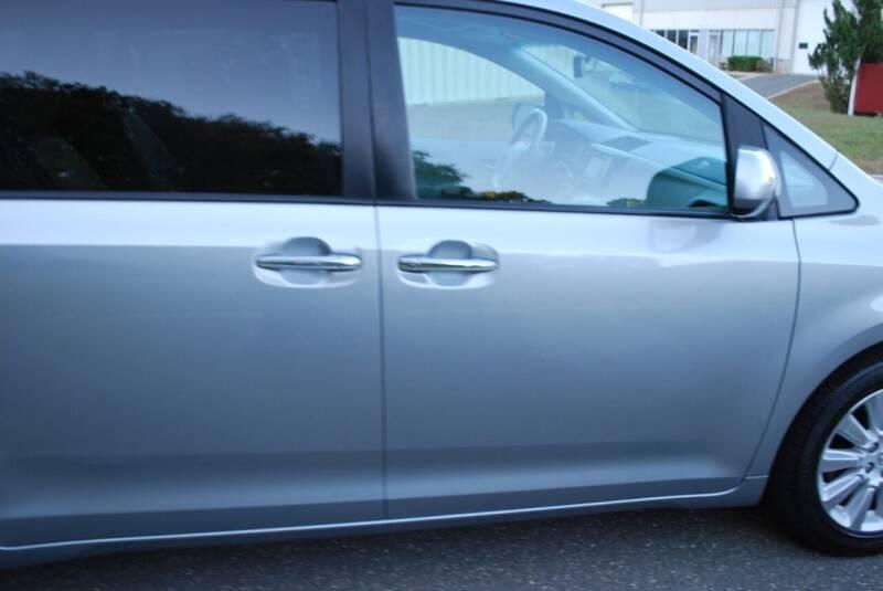 2013 Toyota Sienna AWD XLE 7-Passenger 4dr Mini-Van - New Milford CT