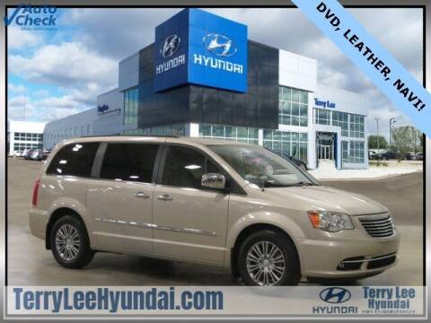 2014 Chrysler Town and Country for sale at Terry Lee Hyundai in Noblesville IN