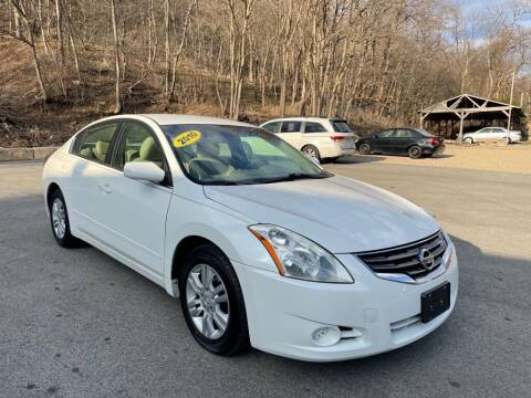 2010 Nissan Altima for sale at Worldwide Auto Group LLC in Monroeville PA