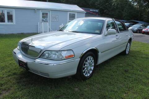 2007 Lincoln Town Car for sale at Manny's Auto Sales in Winslow NJ